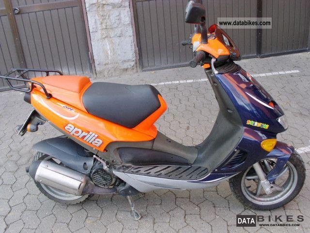 1999 aprilia sr 125 replica motorcycle scooter photo