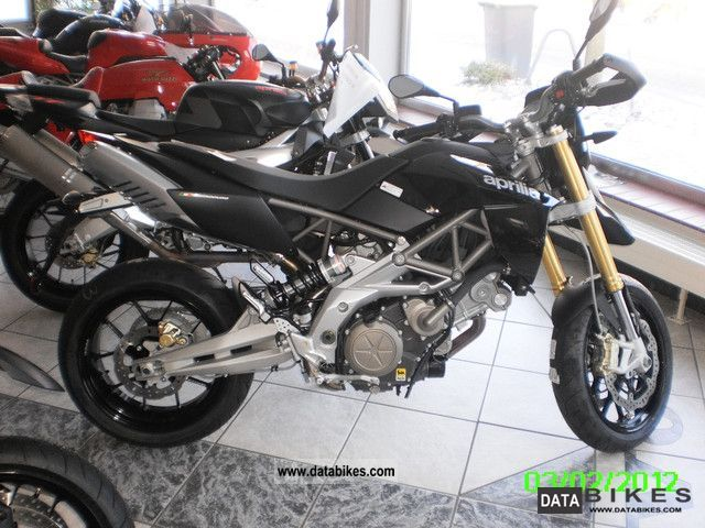 2012 Aprilia  Dorsoduro 750 Motorcycle Naked Bike photo