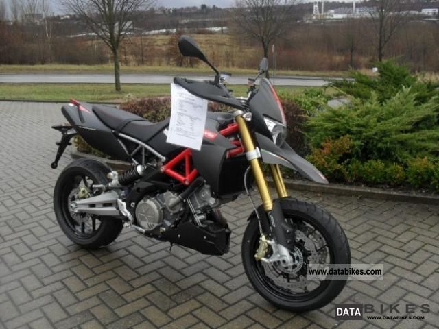 2011 Aprilia  Dorsoduro 750 ABS Factory Motorcycle Naked Bike photo