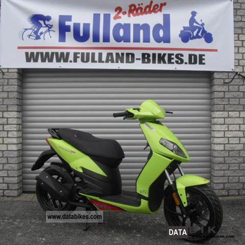 2011 Aprilia  Sports City 50 Motorcycle Scooter photo