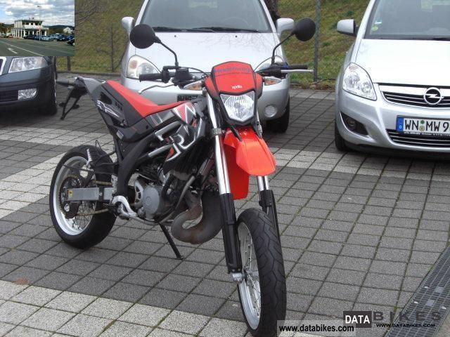 2010 Aprilia  SX 125 FP Motorcycle Lightweight Motorcycle/Motorbike photo