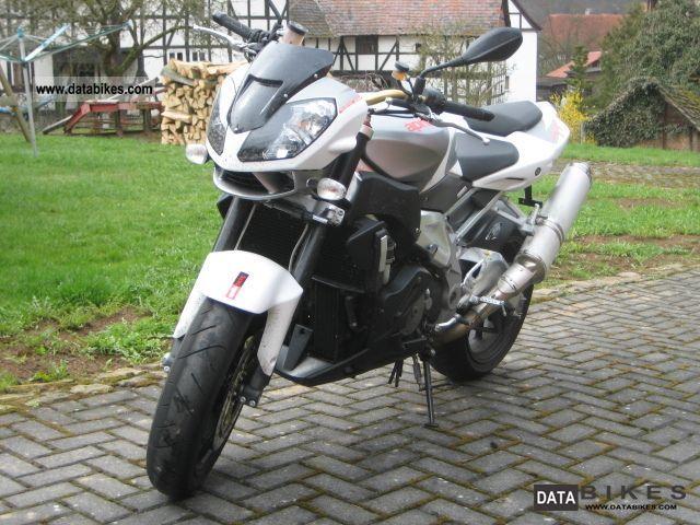 2011 Aprilia  Tuono 1000 R Motorcycle Sports/Super Sports Bike photo