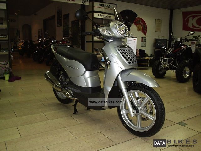 2011 Aprilia  Scarabeo Motorcycle Scooter photo