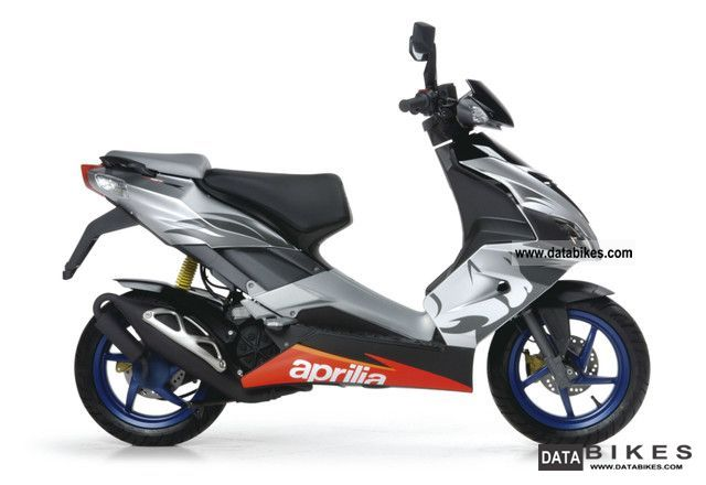 2011 aprilia sr 50 r factory neuf 0 00 finanz single one. Black Bedroom Furniture Sets. Home Design Ideas