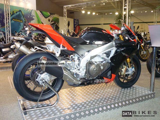 2011 Aprilia  RSV4 Factory APRC 2011 1389 KM! Motorcycle Sports/Super Sports Bike photo