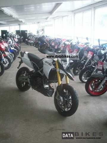 2011 Aprilia  Dorsoduro 750/ABS Model 2012 Motorcycle Super Moto photo