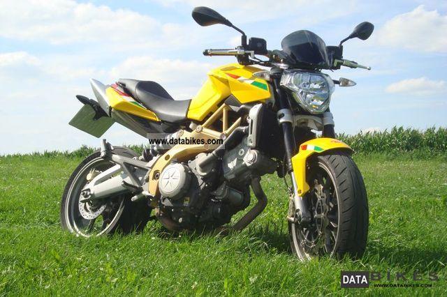 2007 Aprilia  Shiver 750 Motorcycle Naked Bike photo