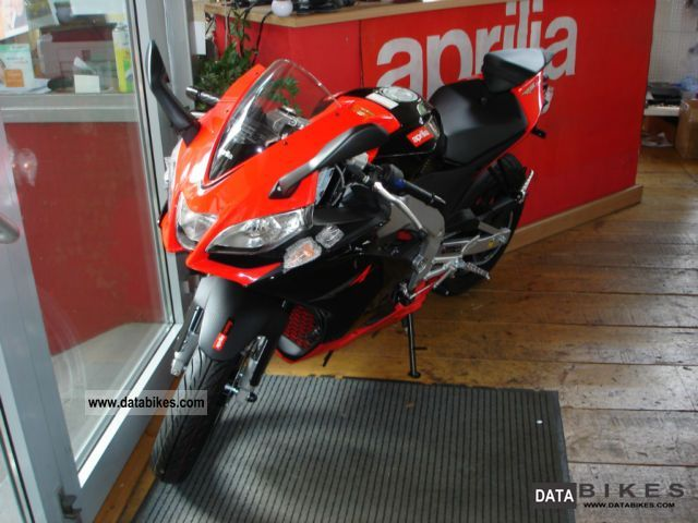 2011 Aprilia  125 WITH AUTOMATIC SWITCHING RS4 Motorcycle Lightweight Motorcycle/Motorbike photo