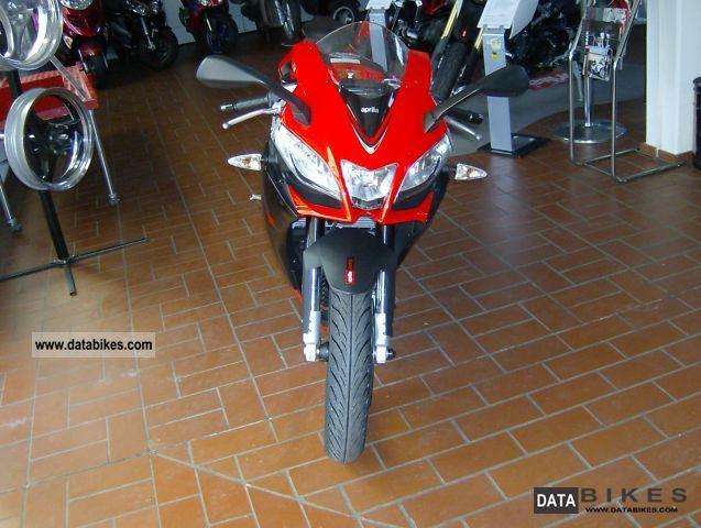 2011 Aprilia  RS 4 125 4T Motorcycle Sports/Super Sports Bike photo
