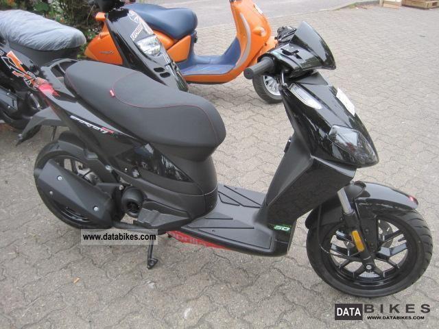 2011 Aprilia  Sports City 50 Mod 2-stroke 2011 bundesw delivery. Motorcycle Scooter photo