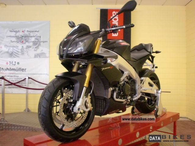 2011 Aprilia  Tuono RSV4R with traction control / switch version Motorcycle Streetfighter photo