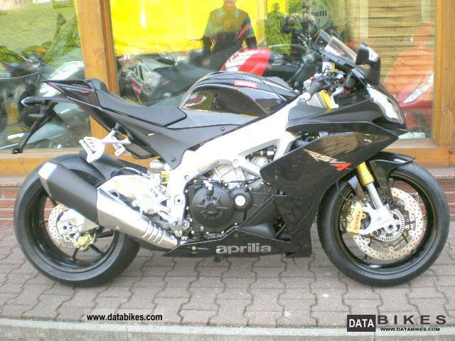2011 Aprilia  APRC RSV4 R eff 0.0%. Interest from dealers Motorcycle Sports/Super Sports Bike photo
