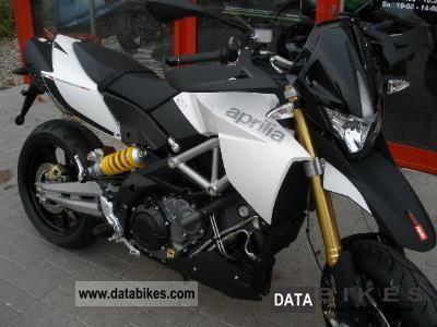 2011 Aprilia  Dorsoduro 1200, ABS, stock Motorcycle Super Moto photo