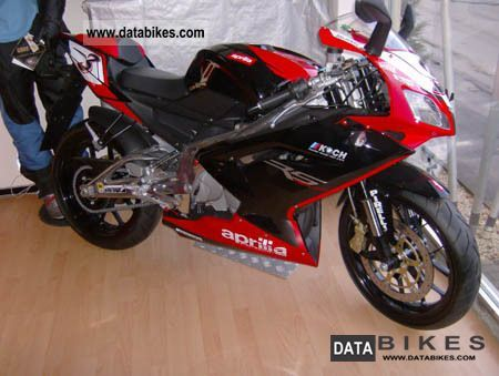 2011 Aprilia  Rs 125! 2 stroke from dealers Motorcycle Sports/Super Sports Bike photo