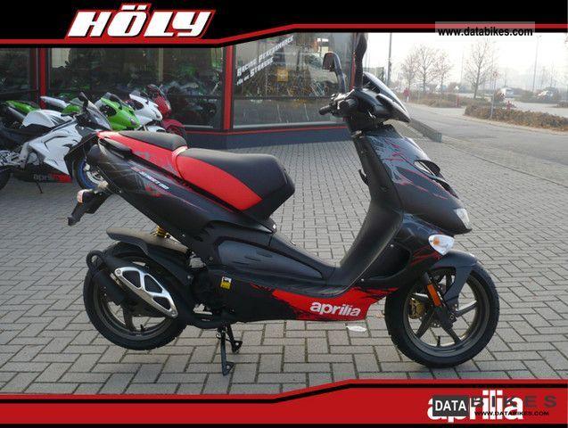 2011 Aprilia  SR 50 R Finz. 0.0% Motorcycle Scooter photo