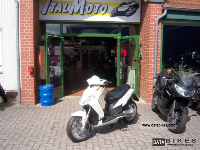 2011 Aprilia  Sportcity One 50 2T model 2012 Motorcycle Scooter photo