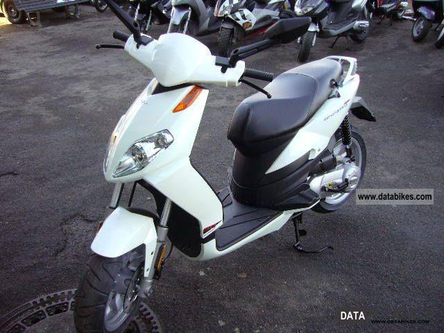 2011 Aprilia  SPORT CITY ONE 50! 2stroke! OFFER!! Motorcycle Scooter photo
