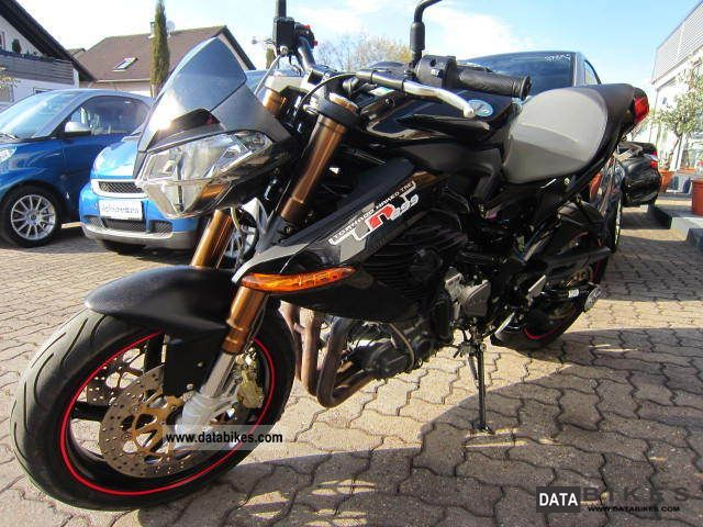 Benelli  TNT 899 .. only 2950km from insolvency 2008 Naked Bike photo