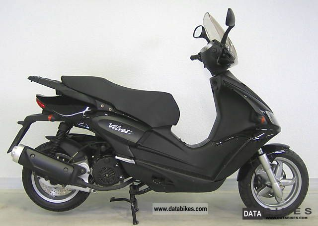 Benelli  Velvet 125 * With 2-year warranty. * 2011 Scooter photo