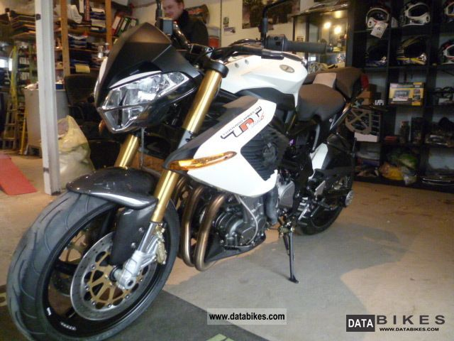 Benelli  TNT 899 S \ 2011 Naked Bike photo