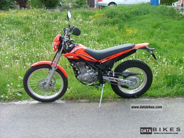 2011 Beta  Alp 200 model 2011 Motorcycle Enduro/Touring Enduro photo