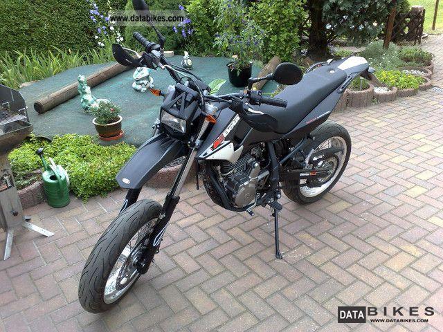 2009 Beta  M4 Supermoto Motorcycle Super Moto photo