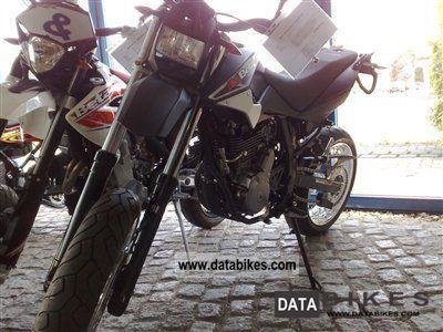 2011 Beta  M4 - 4T Supermotard Motorcycle Super Moto photo