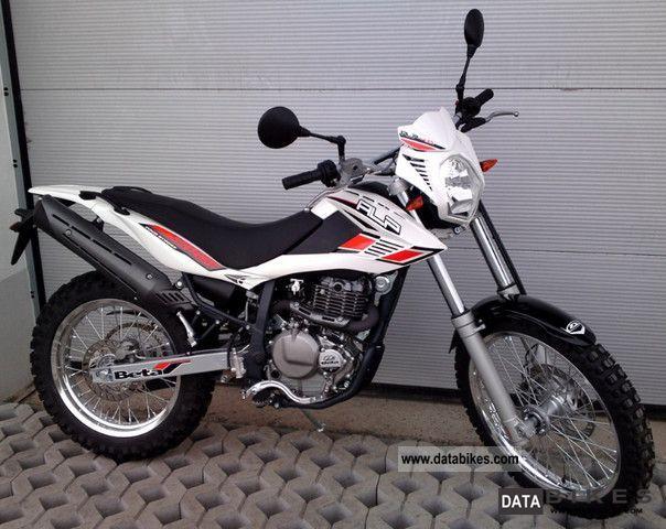 2011 Beta  Alp 4.0 white shipping only 150 € Motorcycle Enduro/Touring Enduro photo