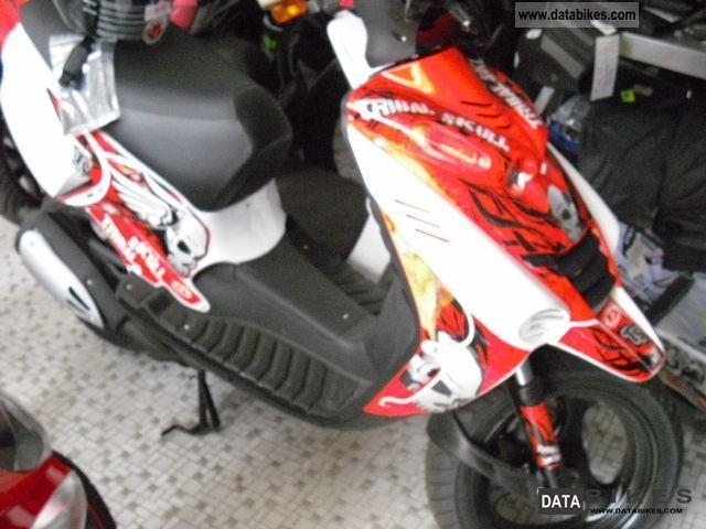 2011 Beta  Ark50 Tribalskull Motorcycle Scooter photo