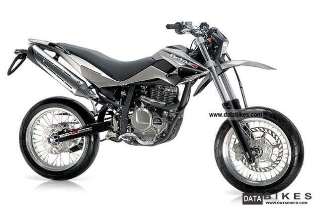 2011 Beta  M4 4T Motorcycle Super Moto photo