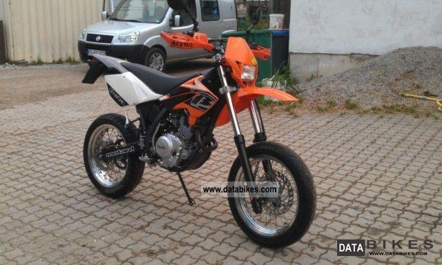2008 Beta  4T Motard Motorcycle Super Moto photo