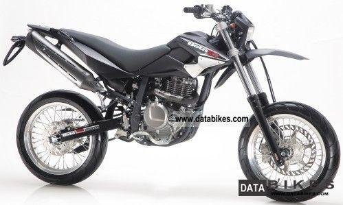 2011 Beta  M 4.0 Motard `12: Matt Black, Silver Motorcycle Super Moto photo