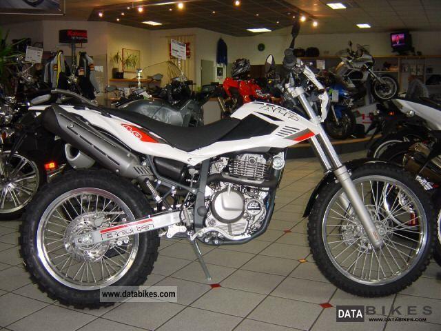 2011 Beta  Alp 4.0 model 2012 IN STOCK! Motorcycle Enduro/Touring Enduro photo