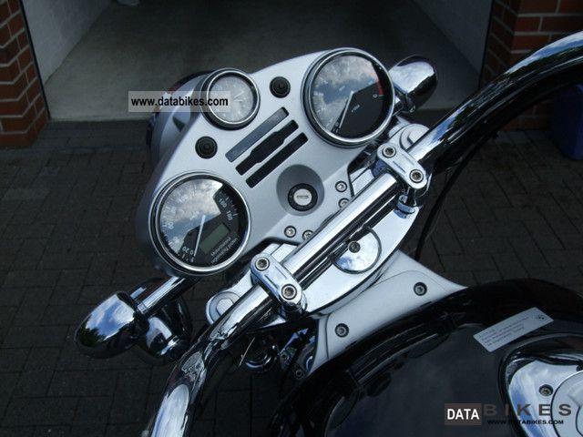 2004 BMW  R 1200 C Motorcycle Chopper/Cruiser photo
