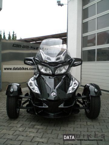 2011 Bombardier  Can-Am Spyder SE5 RT-S Motorcycle Trike photo