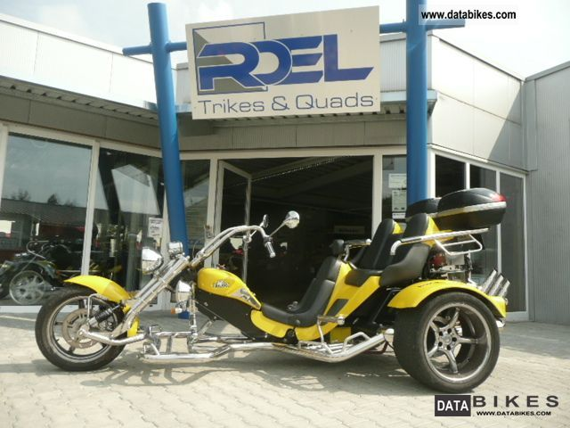 2010 Boom  Family Muscle Thunderbird with many extras Motorcycle Trike photo