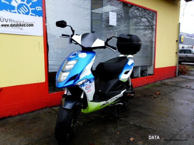 2010 CPI  Aragon GP 45 Paddock delivery nationwide Motorcycle Scooter photo