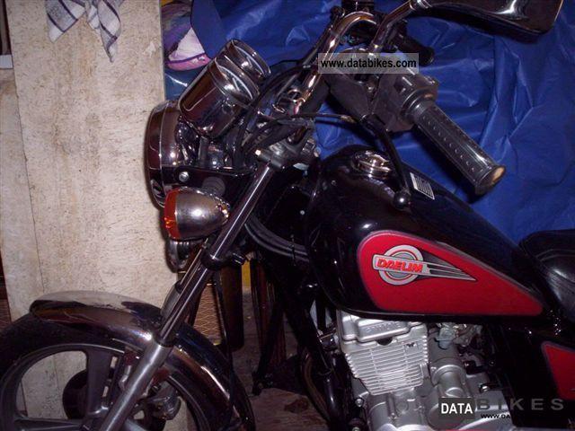 1996 Daelim  VC 125 F Motorcycle Chopper/Cruiser photo