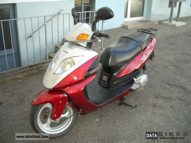 Daelim  SG 125 F 1998 Scooter photo