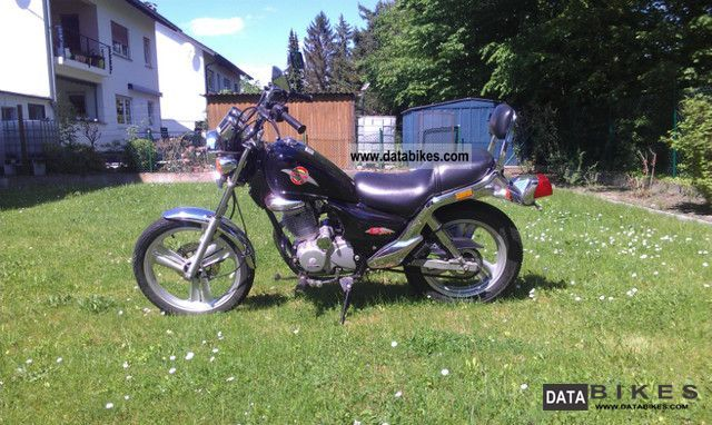 1997 Daelim  VS 125 F Evolution Motorcycle Chopper/Cruiser photo