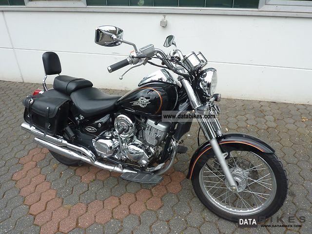 2006 Daelim  Daystar Motorcycle Chopper/Cruiser photo