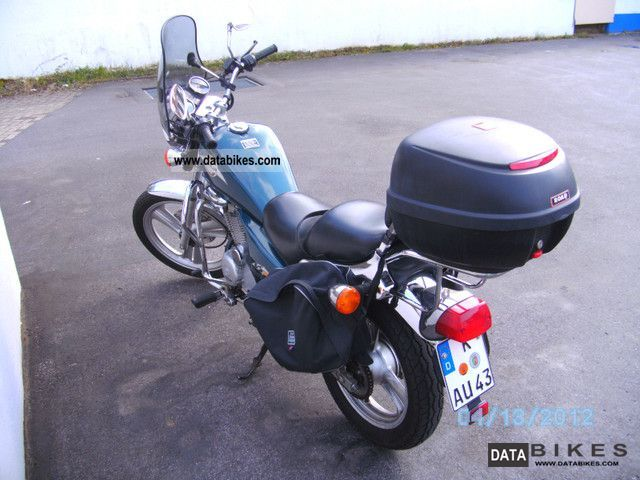 1997 Daelim  VS 125 F Motorcycle Lightweight Motorcycle/Motorbike photo