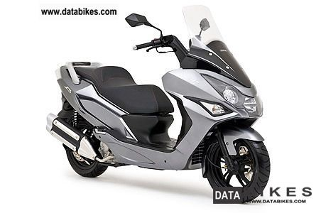 Daelim  S3 125 Fi 2012 Scooter photo