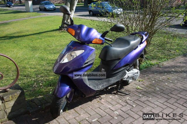 1999 Daelim  125 Motorcycle Lightweight Motorcycle/Motorbike photo
