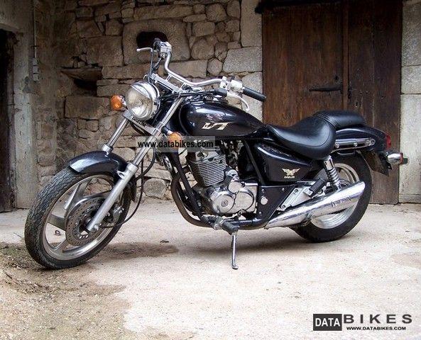 2000 Daelim  125VT Motorcycle Chopper/Cruiser photo
