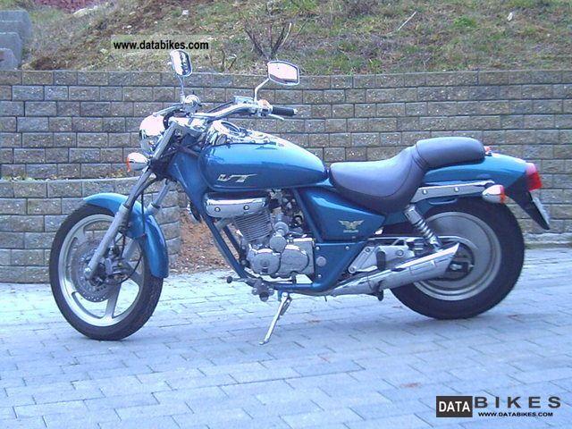 2003 Daelim  vt 125 f Motorcycle Chopper/Cruiser photo