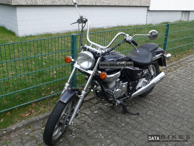 2004 Daelim  VT 125 F Motorcycle Chopper/Cruiser photo