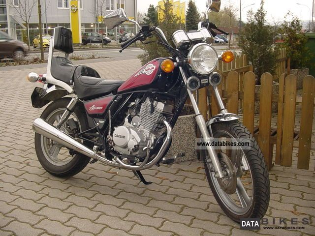 1997 Daelim  Advance 125 Motorcycle Chopper/Cruiser photo
