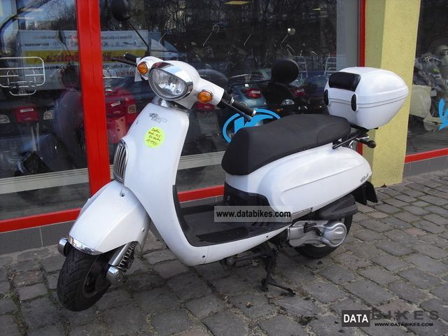 Daelim  Besbi 125 nationwide delivery 2011 Scooter photo