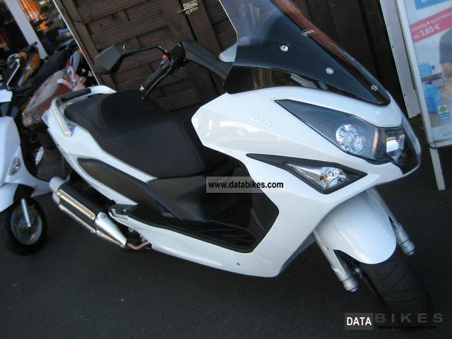 2011 Daelim  S 3 125I Motorcycle Scooter photo